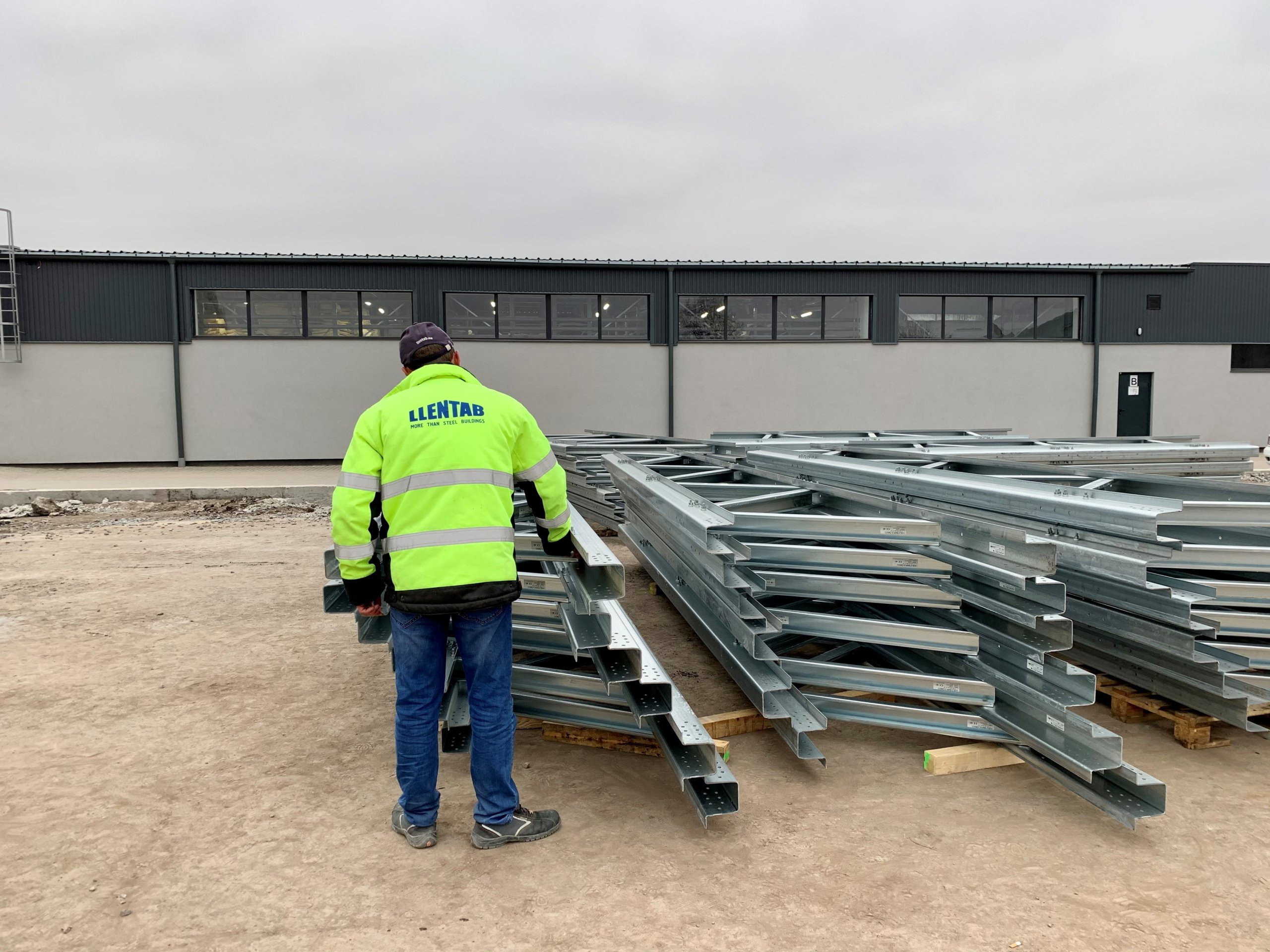 Монтаж сталевої будівлі в м. Броди