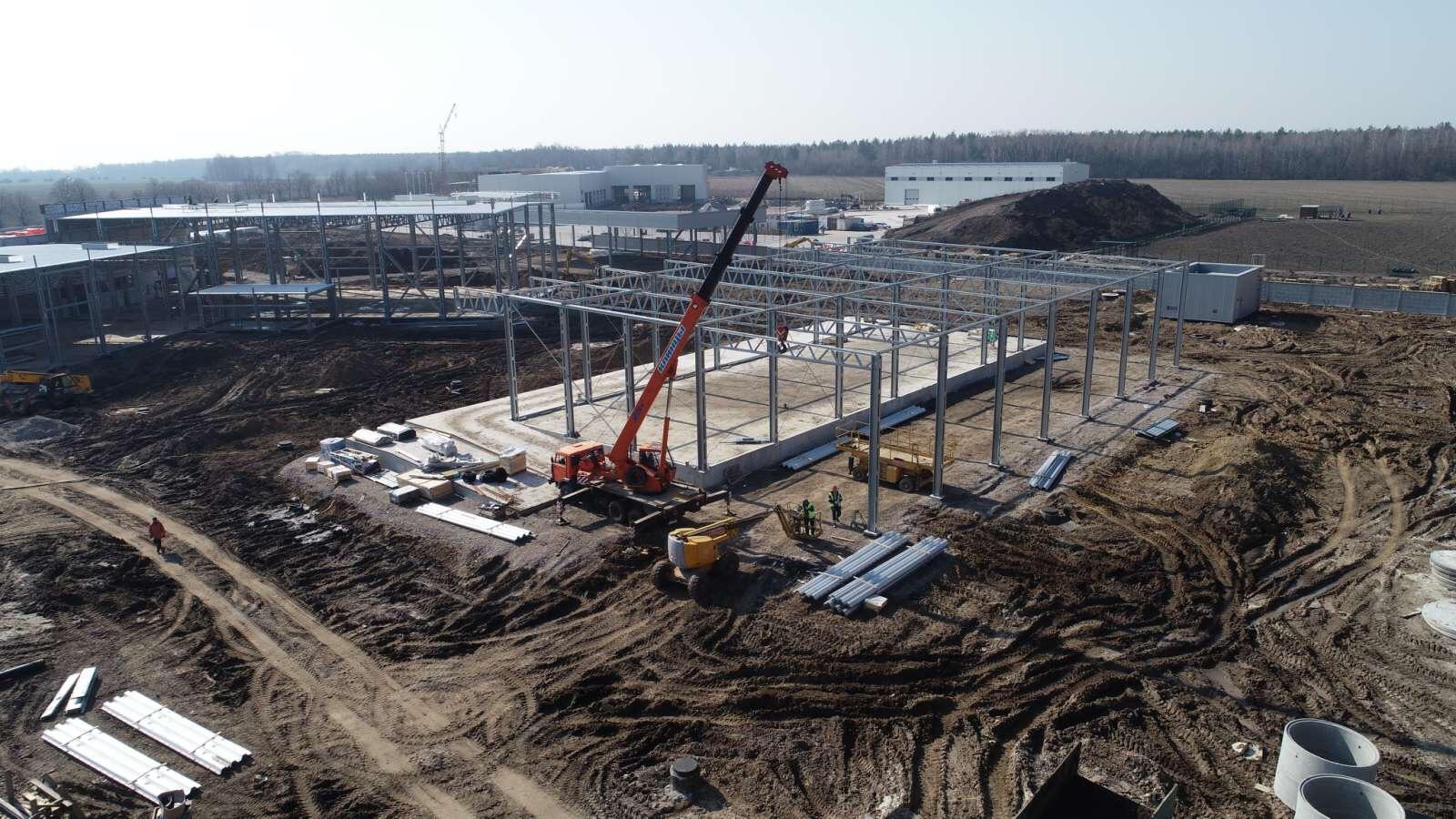 Процес монтажу сталевої будівлі LLENTAB